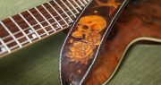 sangle guitare cuir cranes skulls
