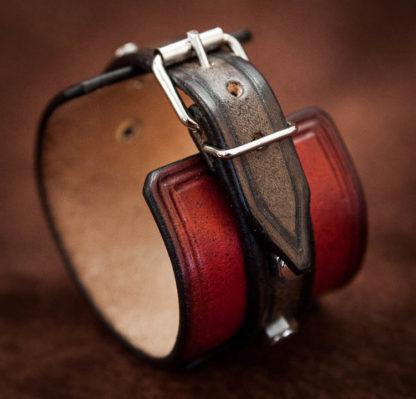 bracelet rouge et noir cuir