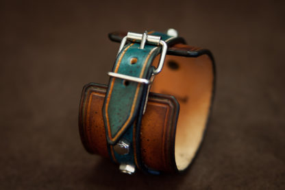 bracelet en cuir serti de boulons