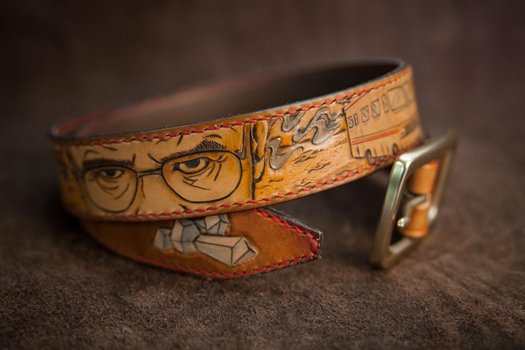 ceb1621bddc ceinture cuir repoussé personnalisée breaking bad