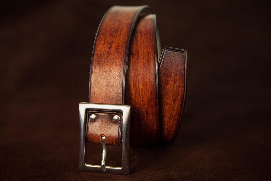 Ceinture en cuir marron patiné jeans à pointe carrée 0e341048ba3