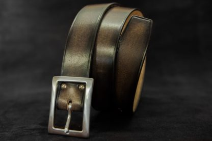 ceinture cuir noir de costume habillé